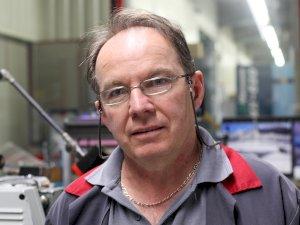 Robert - 60 ans, Expert en Rectification Cylindrique